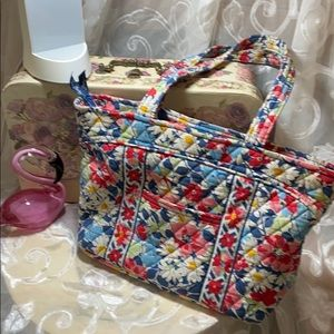 Vera Bradley purse, summer cottage pattern